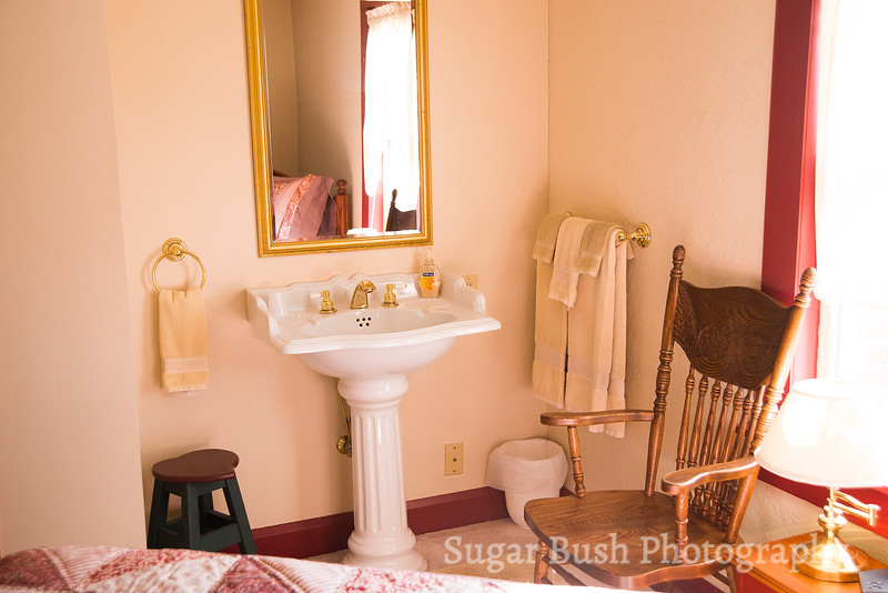 Red Quilt Room Sink
