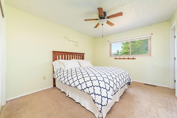 5700 Cedarwood St-24