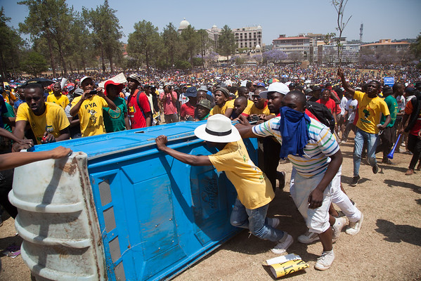 #Feesmustfall 2015 - Conflict at the Union Buildings