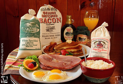 KM-Dillard-House-Deluxe-Country-Breakfast-Box