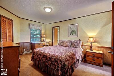 Chalet #2 second bedroom with adjacent full bathroom