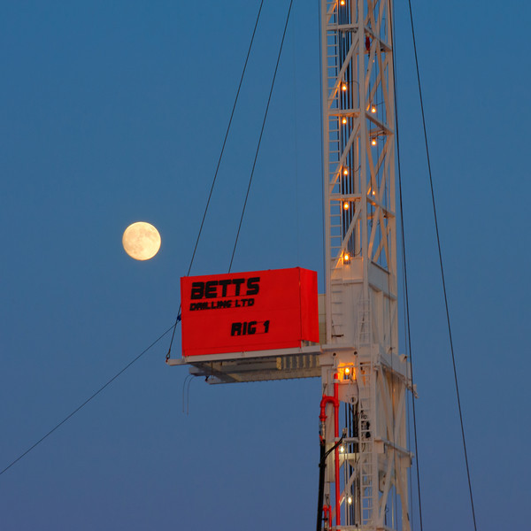 Betts_Rig1-2529_moon