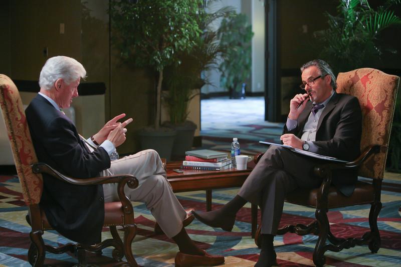 """<a href=""""http://www.golfchannel.com/media/photos-of-bill-clinton-on-feherty"""">http://www.golfchannel.com/media/photos-of-bill-clinton-on-feherty</a>"""