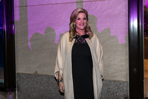 Trisha Yearwood at the 82nd Annual Rockefeller Center Christmas Tree Lighting Ceremony
