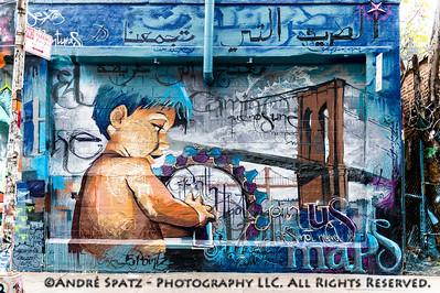 Graffiti by El Niño De Las Pinturas - El Niño