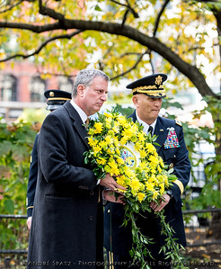 Wreath laying at the Eternal Light Monument by NYC Mayor-Elect Bill DeBlasio and U.S. Army Gen. Raymond T. Odierno, Chief of Staff of the U.S. Army