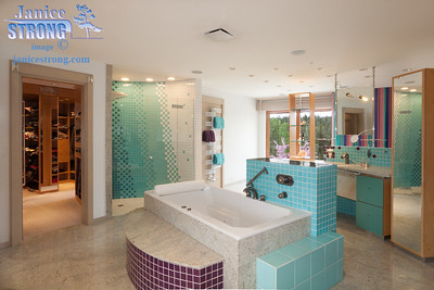 Master-Bathroom-Closet-Open-4075-Edit