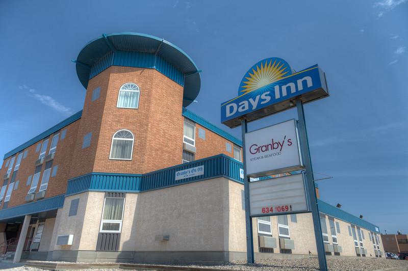 Days Inn-2207HDR