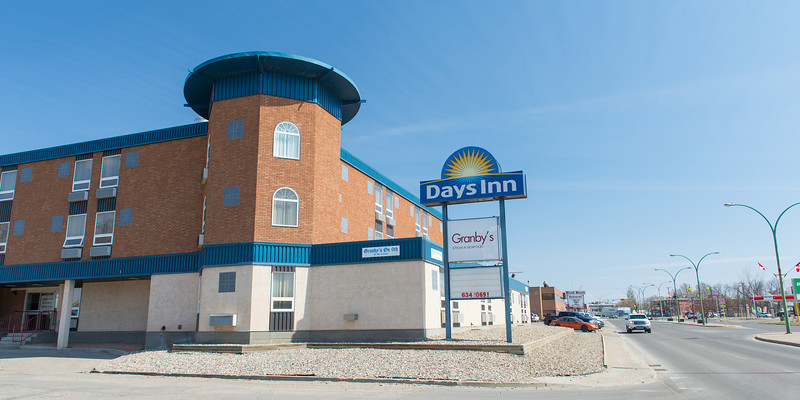 Days Inn-2200-2