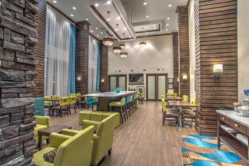 Hampton dining-0828HDR