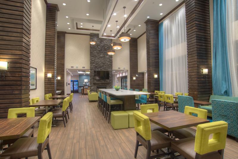 Hampton dining-0913HDR