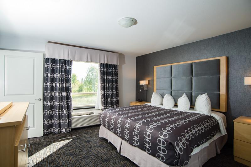 Carnduff dbl king suite 2KS-0323