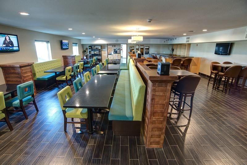 Carnduff dining-0599HDR