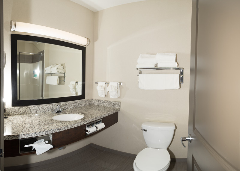 Redvers double queen suite DQS-0294-Pano