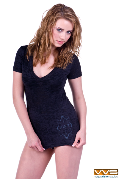 http://realdealphotography.smugmug.com/Models/It-Aint-Chemo/RDP0056/871799375_fiRwk-XL.jpg