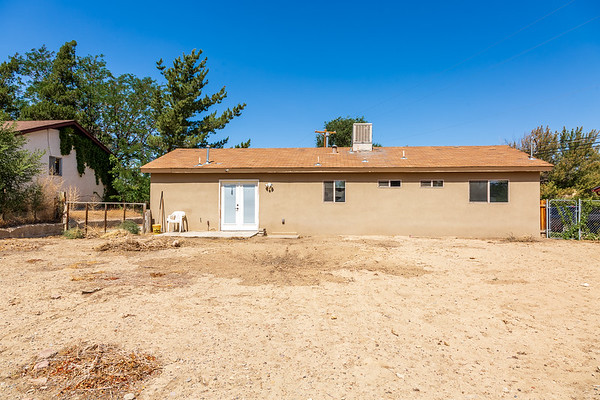 3907 Holiday Dr-9