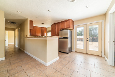 3907 Holiday Dr-13