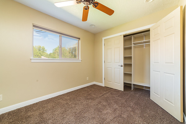 3907 Holiday Dr-22