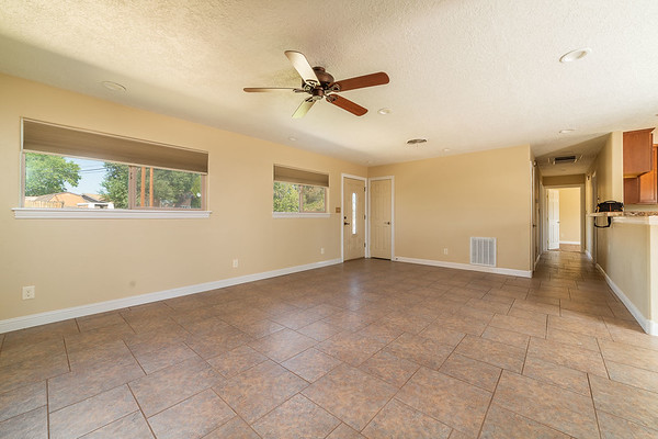 3907 Holiday Dr-12