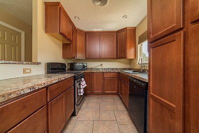 3907 Holiday Dr-14