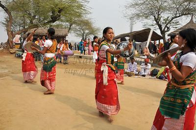 Various folk dances at Suraj Kund Mela 2008, Haryana, North India. The Suraj Kund Mela is an annual fair held near Delhi. Folk dances, handicrafts and a lot of fun.