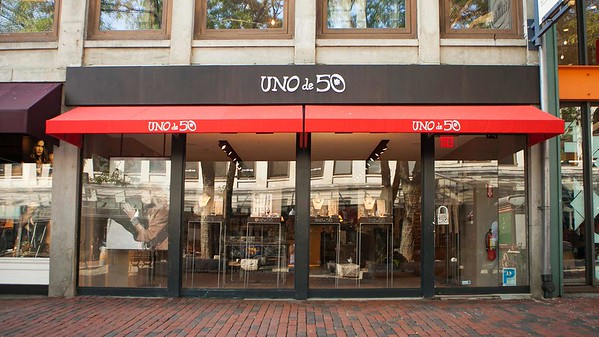 Boston Boutique Exterior Photo | UNOde50