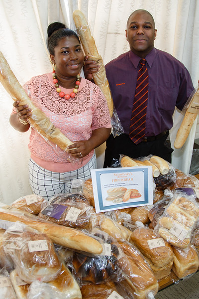 Mend-It Community Project - Sainsburys Bread Donations - L to R - Kayon Blake, Rob Silera (Saisburys Manager Castle Vale)