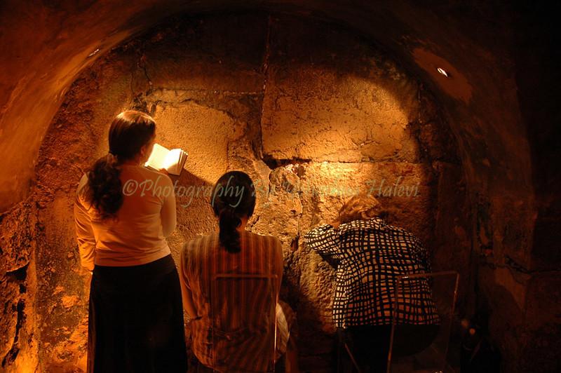Prayer at Western Wall Kotel 318 (1)
