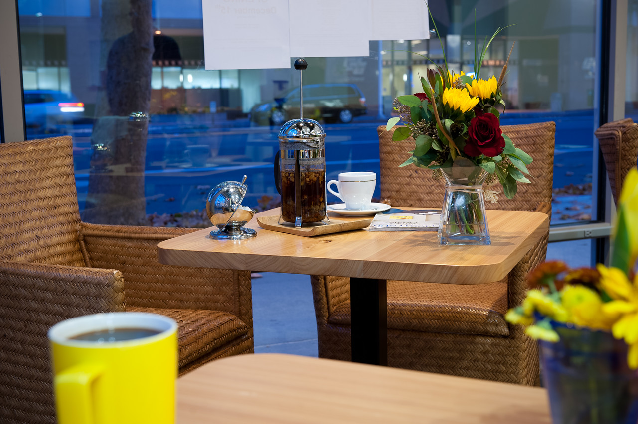 Noble_Cafe_11302011_04