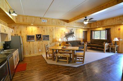 lodge-interior-downstairs-hunter-web
