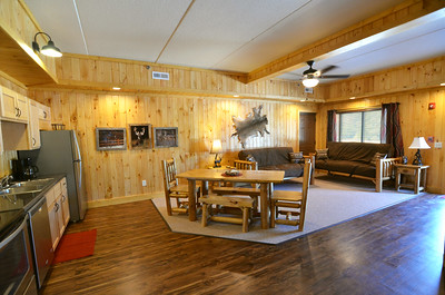 lodge-interior-downstairs-hunter