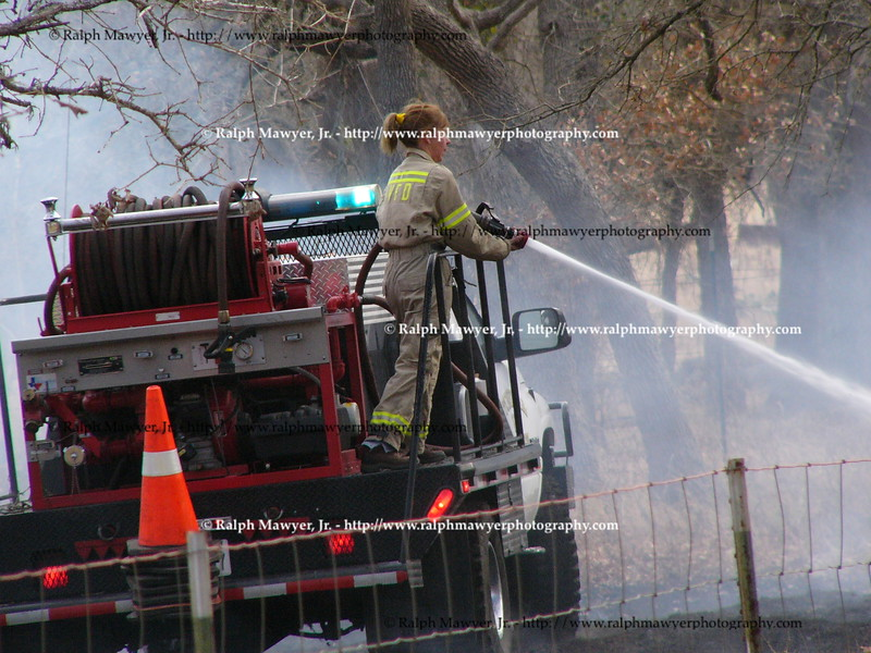 Stonewall_vfd_fire_12 27 05_19