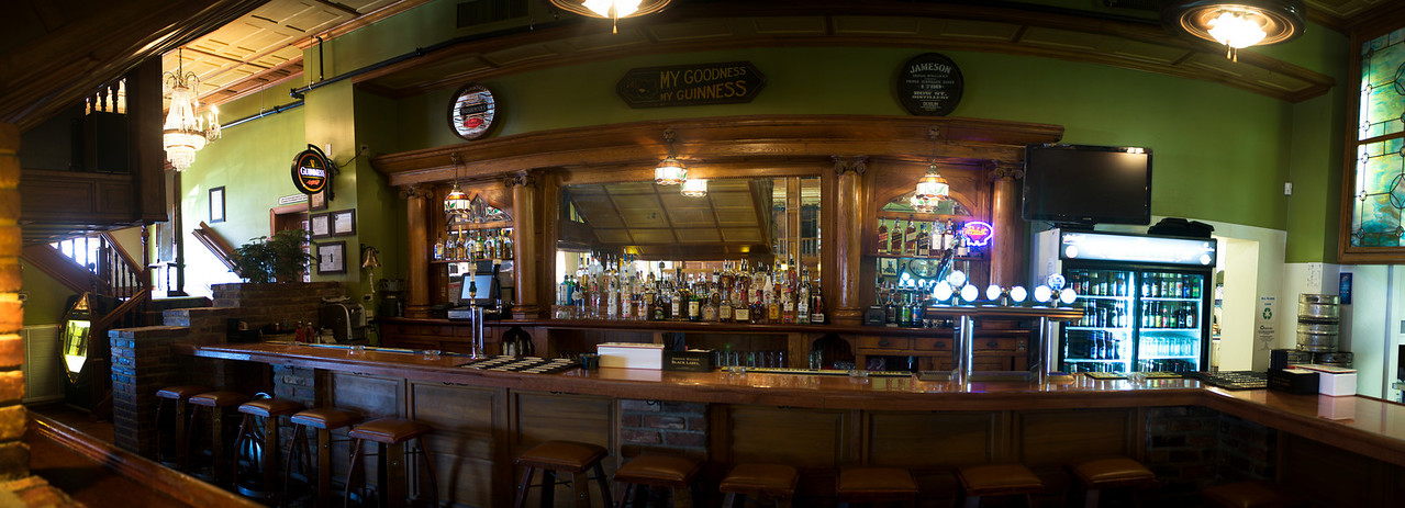 Honest Pint Bar Pano 2