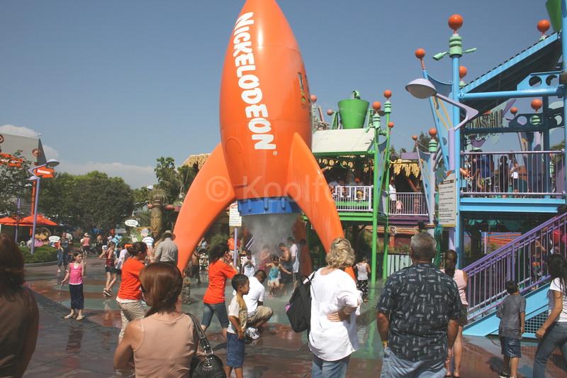 Nickelodeon Rocket Draws Crowd