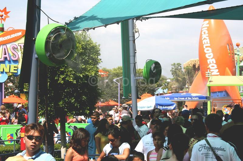 Branded Fans at Shrek Queue