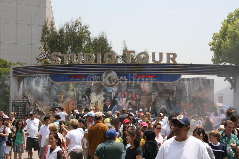 Crowds Enjoy Cooling