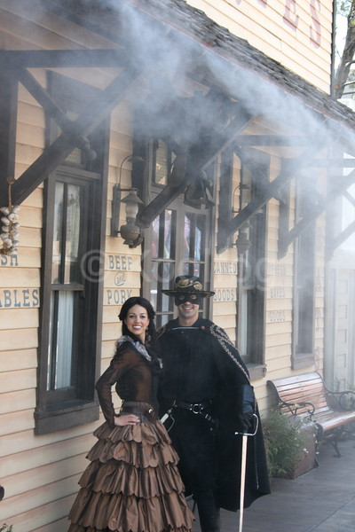 Zorro Actors Pleased with Koolfog