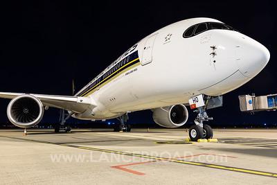 Singapore A350-900 - 9V-SHO - BNE