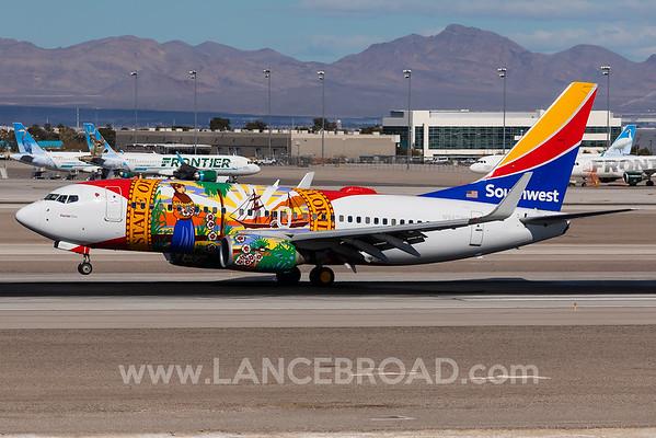 Southwest 737-700 - N945WN - LAS