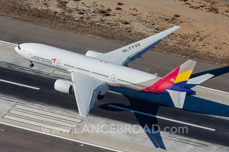 Asiana 777-200ER - HL7732 - LAX