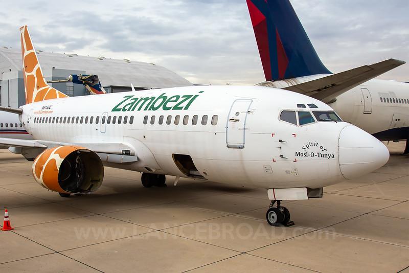Zambezi 737-500 - N615SC - SBD
