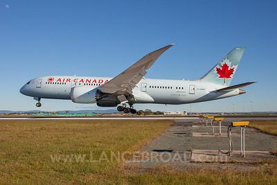 Air Canada 787-8 - C-GHPY - BNE
