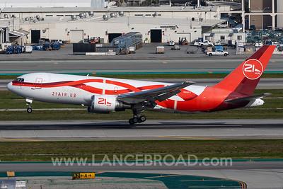 21 Air 767-200 - N881YV - LAX