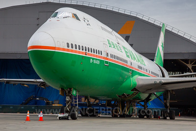 Eva Air 747-400 - B-16409 - SBD