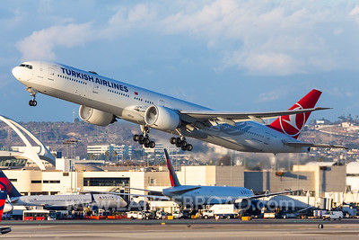 Turkish Airlines 777-300ER - TC-JJJ - LAX