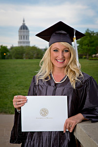 Brandi Sutherland and family celebrate Brandi's graduation from the University of Missouri in Columbia during the Spring 2013 Commencement.  © Kyle Spradley Photography | www.kspradleyphoto.com