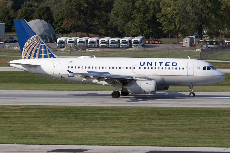 UAL688 ORDCMHPort Columbus International Airport | CMH / KCMH<br /> Columbus, Ohio<br /> [Canon EOS 7D Mark II + EF 100-400mm f4.5-5.6L IS USM]