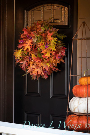 Fall wreath - front door_7388