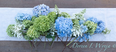 Hydrangeas arrangement on linen_2169