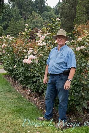 Harry Landers the rose guy_7706